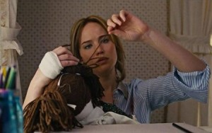 jennifer-lawrence-joy-sewing__oPt